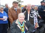 ANZAC_Day_Morwell_Vicki_and_Trevor_Burgess_with_Brenda_Lawrence_RSL_Aux.JPG